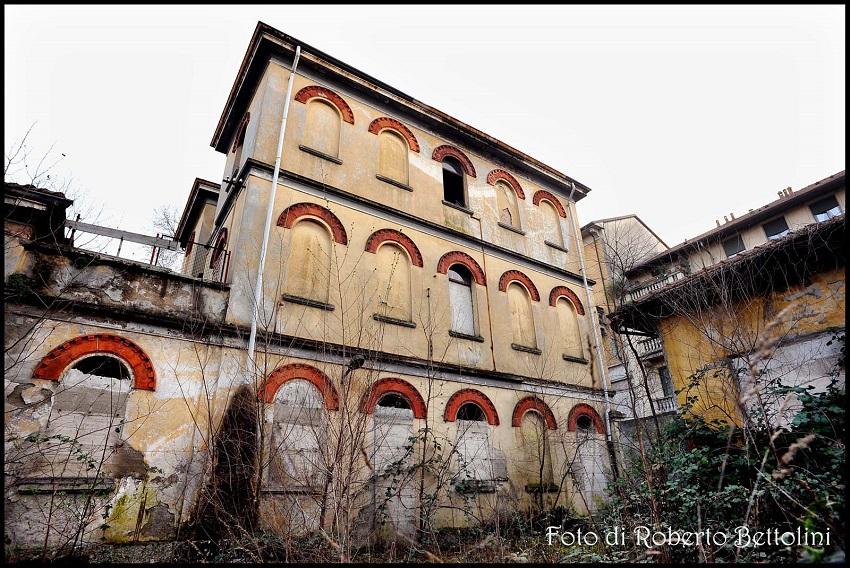 Derganino Milano ex Ospedale Bassi